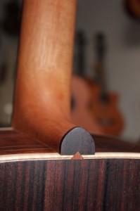 Fussdetail der Westerngitarre